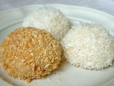 How to make Coconut Balls, Dim Sum Dessert, Chinese Glutinous Rice Balls recipe The mom of one of my piano students makes these sometimes when I come over for lessons; They have quickly become one of my favorite treats. Glutinous Rice Balls Recipe, Glutinous Rice Flour, Asian Desserts, Asian Recipes, Chinese Desserts, Dim Sum, Dessert Dishes, Dessert Recipes, Keto Desserts