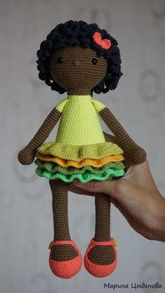 Photo Crochet Doll Tutorial, Crochet Doll Pattern, Crochet Patterns Amigurumi, Amigurumi Doll, Free Crochet Bag, Crochet Baby, Knit Crochet, Knitted Dolls, Crochet Dolls