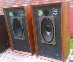 B&W famous 'domestic monitor' speakers approx 1970 Monitor Speakers, Stereo Speakers, High End Audio, Loudspeaker, Audiophile, Gadgets, Rigs, Gears, Tube