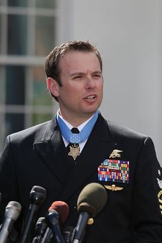 59 Usn Seal Ed Byers Proud To Know Him Ideas Medal Of Honor Recipients Medal Of Honor Senior Chief