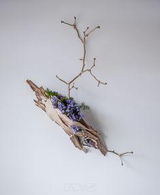 HanaKuma Ikebana - Alex Evans - gallery of ikebana work in 2018 Arte Floral, Deco Floral, Floral Design, Ikebana Flower Arrangement, Ikebana Arrangements, Floral Arrangements, Japanese Flowers, Japanese Art, My Flower