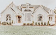 41 Impressive Home Exterior Design Ideas You Need To Copy Dream House Interior, Luxury Homes Dream Houses, Dream Home Design, My Dream Home, Future House, Dream House Plans, House Goals, Modern Farmhouse, Building A House