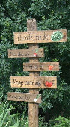 Ceramic Roof Tiles, Garden Plant Markers, Spring Sign, Moroccan Decor, Garden Crafts, Gardening Tips, Outdoor Gardens, Home And Garden, Light Fixtures