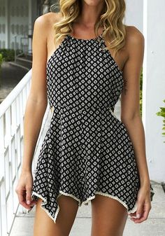 Uber-femme with an asymmetrical edge, this diamond print halter romper is made to wow. It has diamond prints all over the fabric and is further styled with an asymmetrical hemline. Hippie Style, My Style, Style Feminin, Do It Yourself Fashion, Fashion Outfits, Womens Fashion, Girl Fashion, Trendy Fashion, Dress Outfits