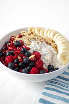 Vanilla Overnight Oat Breakfast Bowl with Fruit - The Forked Spoon