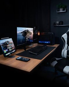 Create A Cool Home Game Room With These 27 Gaming Room Ideas Home Decor Here are some ideas for gaming room decor. All you need to do is make sure they can fit in with the rest of your decor and create a cool ambiance. Home Office Setup, Office Workspace, Home Office Design, Office Ideas, Computer Desk Setup, Gaming Room Setup, Bedroom Setup, Desk Inspiration, Desk Inspo