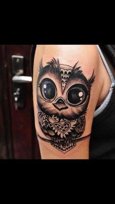 50 of the Most Beautiful Owl Tattoo Designs and Their Meaning for the Nocturnal Animal in You tattoo designs 2019 - Tattoo designs - Dessins de tatouage Dream Tattoos, Love Tattoos, Sexy Tattoos, Beautiful Tattoos, Body Art Tattoos, Tattoos For Women, Tatoos, Circle Tattoos, Incredible Tattoos