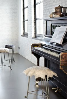 piano styling converted warehouse home in friesland, the netherlands Piano Bench, Piano Room, Studio Musical, Le Living, Living Room, Living Spaces, Warehouse Home, Warehouse Living, Converted Warehouse
