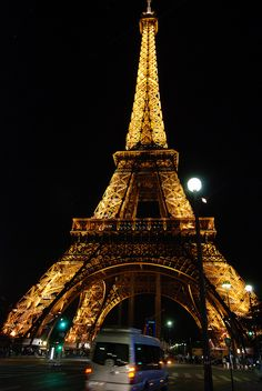 Eiffel Tower, Paris  Yes please Damien, you will enjoy it better again with me by your side!