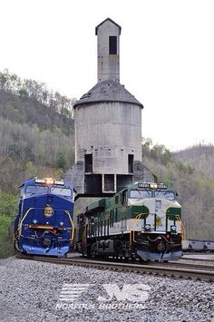The Norfolk and Western and the Southern heritage units meet in West Virginia. Train Car, Train Tracks, Train Rides, Southern Heritage, Norfolk Southern, Diesel Locomotive, Steam Locomotive, Jet Ski, Simplon Orient Express