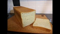 Sandwich Loaf, Bread Board, White Bread, How To Make Bread, Biscuits, Sandwiches, Rolls, Cookies, Baking