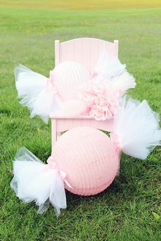 How to Make Sweet Candy Lanterns. cute for a baby shower, wedding or little gi. - How to Make Sweet Candy Lanterns… cute for a baby shower, wedding or little girl's party - Candy Theme, Candy Party, Girl Birthday, Birthday Parties, Friend Birthday, Birthday Quotes, Party Fiesta, Paper Lanterns, Lanterns Decor