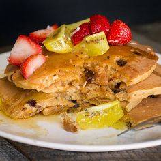 Fall  means all things sweet and comforting like these Carrot Cake Pancakes with coconut and plump raisins. Severed with copious amounts of maple syrup and strawberries and golden kiwis. HEAVEN!!   #carrotcake #pancakes #brunch #breakfast #food #foodporn #buzzfeedfood #eeeeeats #eeeeats #yahoofood #fruit #strawberry #kiwi #tropical #fresh #homemade #ct #foodie #foodgasm #instafood #instagood #popular #yum #delicious #yummly #huffposttaste #popular #likes4like #followme #feedfeed #recipe