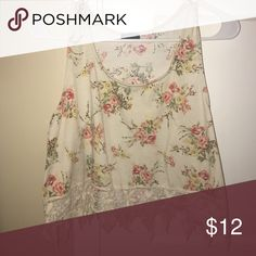 🔺Fun floral crop top🔻 🔺THIS ITEM APPLYS TO THE 4 FOR $30 DEAL🔺   THIS IS HOW IT WORKS: Bundle any 4 items from my closet that contain these emojis in the title of the product 🔺🔻 (Ex: 🔺PINK Racerback bra🔻)  Then, send me an offer of $30 for all the items and I will ACCEPT!    THANK YOU ALL AND HAPPY POSHING!💓👗 Poetry Tops Crop Tops