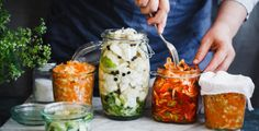 Fermentaci zeleniny asi znáte, ale takto lze uchovat i ovoce