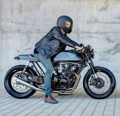 CR Cafe Racer Bikes, Biker Style, Motorbikes, Café Racers, Vehicles, Motorcycles, Wheels, Nice, Cafe Racer Motorcycle