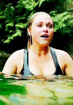 """bellamybb: """""""" i cannot stop watching this scene will continue to gif it until everyone realizes how fucking powerful it is fucking powerful clarke griffin is in this very moment. Eliza Taylor Hot, Elisa Taylor, Eliza Jane Taylor Cotter, Gif Pic, Clarke And Lexa, Les Gifs, Celebrity Stars, The Protector, Norse Vikings"""
