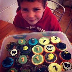 Mama OWL: Deadly 60 Cupcakes #deadly60 #stevebackshall