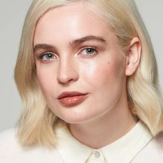 Here are the best gluten-free lipstick shades that deliver gorgeous color minus the irritation. Wedding Makeup For Brown Eyes, Natural Wedding Makeup, Natural Makeup, Tinted Lip Balm, Bold Lips, Hazel Eyes, Lipstick Shades, Lip Makeup, Lip Colors
