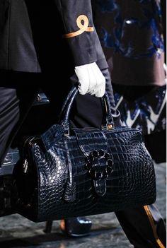Louis Vuitton wallet #bags #fashion