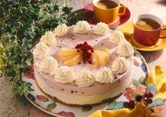 Unser beliebtes Rezept für Birnen-Preiselbeer-Joghurt- Torte und mehr als 55.000 weitere kostenlose Rezepte auf LECKER.de.