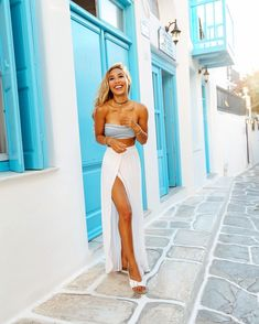 Image discovered by 𝒽𝒶𝓃𝓃𝒶𝒽 𝓈𝓀𝓎. Find images and videos about outfit, goals and Greece on We Heart It - the app to get lost in what you love. Edgy Outfits, Summer Outfits, Cute Outfits, Fashion Outfits, Travel Outfits, My Life As Eva, Greece Outfit, Girl Fashion, Womens Fashion