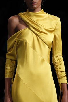 Monse Fall 2017 Ready-to-Wear Fashion Show 20s Fashion, Fashion 2017, Couture Fashion, Runway Fashion, Love Fashion, Fashion Show, Mode Outfits, Chic Outfits, Fashion Outfits