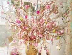 Decoration, Sweet Christmas Decorating With Shabby Chic Style With Chic Crafts As Well As Unique Vase As Decorate Indoor White Room Ideas: A. Noel Christmas, All Things Christmas, White Christmas, Christmas Crafts, Christmas Balls, Christmas Pictures, Shabby Chic Christmas, Vintage Christmas, Shabby Chic Theme