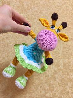 Мои первые игрушки амигуруми!)) Жирафик по МК Марии Устюшкиной https://vk.com/doc13816797_437801499?hash=0ea6629c07cbbe0c35&dl=1485156165e427c0c2e89ea43e9f&api=1 (только одежду изменила, тк хотела жирафа-девочку связать) и Совушка в кедах по МК Ирины Безелянской, по описанию Василисы Васильевой...