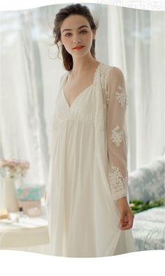 4b4448da8600 40% СКИДКА Кружевные ночные рубашки трусы 2019 комплект пижам банные халаты сексуальная  ночная рубашка одежда для невесты набор свадебный пеньюар халат ...