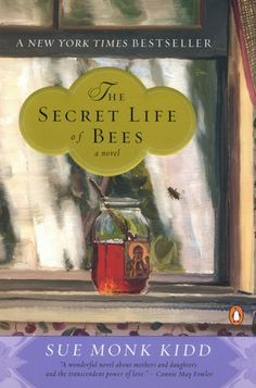 The Secret Life of Bees by Sue Monk Kidd Book Club Discussion Questions: Courtesy Vintage Books I Love Books, Great Books, Books To Read, My Books, This Book, Secret Life, The Secret, Bee Book, Thing 1