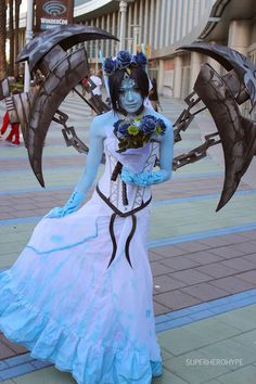 Ghost bride Morgana, leauge of legends (chains hanging upwards, wow if that's not photoshop) Cosplay Anime, Epic Cosplay, Amazing Cosplay, Cosplay Outfits, Cosplay Girls, Cosplay Costumes, Cosplay Ideas, Morgana League Of Legends, Cosplay League Of Legends