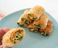 If you thought we couldn't improve on our Spinach and Ricotta Roll recipe, wait until you try these Thermomix Spinach and Cheese Rolls! Savory Snacks, Yummy Snacks, Healthy Snacks, Yummy Food, Healthy Mummy, Easy Snacks, Baby Shower Finger Foods, Homemade Sausage Rolls, Vegetarian Recipes