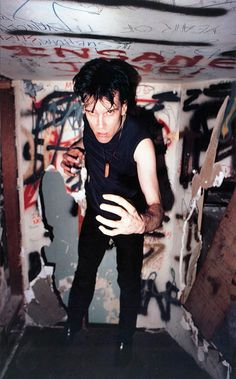 the cramps Lux Interior - from the book: We're Desperate -The Punk Rock Photography of Jim Jocoy, SF-LA The Cramps, 70s Punk, Punk Goth, Photo Rock, It Icons, Punk Rock Fashion, Lolita Fashion, Fashion Boots, The New Wave