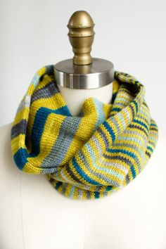 Rings of Rings Cowl (F74) | Fairmount Fibers, LTD.