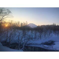 #wintermountain #architecture #design #snow #winter #skiresort #hokkaido #niseko #zaborin #tree #nature #vacation #photogenic #luxuryhotel #hotel #japan #photoofday #写真好キト繋ガリタイ #worldthroughmyeyes #onsen #カメラ #photoofday #ski #ニセコ #sunrise #trip | zaborin.com