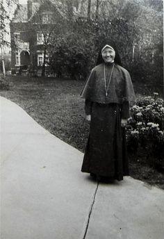 Auctiva Image Hosting Nun, Catholic, Sisters, Spirit, Portrait, Image, Men Portrait, Paintings, Portraits