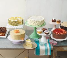 all encompassing cake baking/decorating guide from real simple  http://www.realsimple.com/food-recipes/cooking-tips-techniques/baking/cake-decorating-techniques-00000000058714/index.html