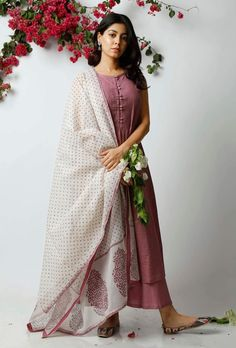 This off white kota dupatta with hand blocked violet polka dots and prints is the epitome of grace and simplicity. It adds character to your attire, giving it a breezy summer look. This product includes the dupatta only. Designer Anarkali Dresses, Designer Dresses, Indian Attire, Indian Outfits, Bodycon Outfits, Indian Fashion Trends, Indian Gowns Dresses, Kurta Designs Women, Kurti Designs Party Wear