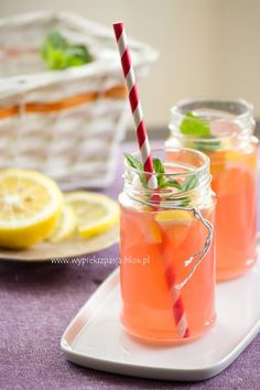 Rhubarb lemonade (in Polish) Fun Drinks, Beverages, Cocktail Recipes, Cocktails, Blue Curacao, Irish Cream, Non Alcoholic, Mojito, Grapefruit