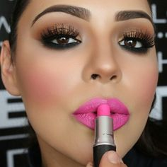 47 Cute Pink Lipstick Make-up Concepts To Strive Pink Lipstick Makeup, Bright Pink Lipsticks, Pink Lip Gloss, Mac Makeup, Matte Lipstick, Lipstick Lighter, Brown Lipstick, Makeup Guide, Colorful Makeup