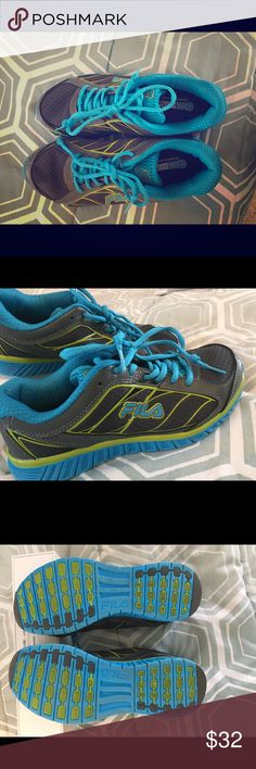 💥 FILA 💥 Blue and Green FILA running shoes! So comfy, just didn't wear them as much as my other shoes! Fila Shoes Athletic Shoes