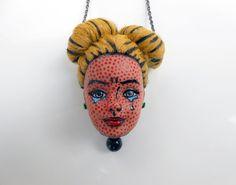 Recycled Toys, Recycled Art, Jewelry Crafts, Jewelry Art, Weird Jewelry, Jewellery, Ooak Dolls, Art Dolls, Diy Cadeau Noel