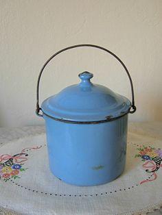 vintage berry bucket