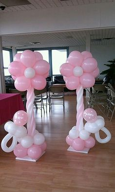 Baby Shower Flower Balloon Columns Create simple inexpensive baby shower decor columns using balloons with this simple DIY Tutorial Cadeau Baby Shower, Deco Baby Shower, Baby Shower Flowers, Baby Shower Balloons, Girl Shower, Shower Party, Baby Shower Parties, Baby Shower Themes, Baby Shower Gifts