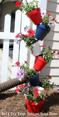 Make this Mad Planter via www.waittilyourfathergetshome.com #planter #summer #garden #redwhiteandblue #patriotic