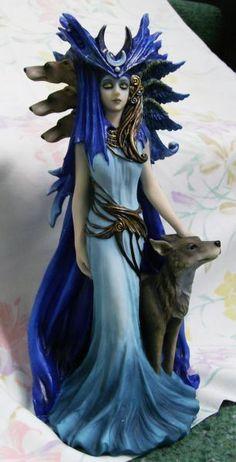 greek goddess hecate | Hecate Goddess Statue, Triple Goddess of the Crossroads: