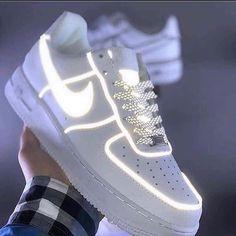 Sneakers Custom sneakers Shoes sneakers Shoes Outfit shoes Dream shoes Do Cute Nike Shoes, Cute Nikes, Jordan Shoes Girls, Girls Shoes, Ladies Shoes, Sneakers Fashion, Fashion Shoes, Fashion Outfits, Moda Nike