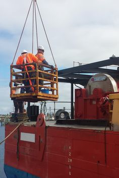AEB uses the Quill Falcon Cyclone dustless blasting system to bead blast all types of marine platforms and equipment in Adelaide.
