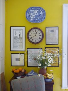 A LOT of you have asked: WHAT is the color of Ben Pentreath's pink living room and that gorge yellow kitchen? What are the Ben Pentreath Paint Colors? Yellow Interior, Interior And Exterior, Interior Design Inspiration, Color Inspiration, Gallery Wall Frames, Gallery Walls, Ben Pentreath, English Decor, Cottage Interiors
